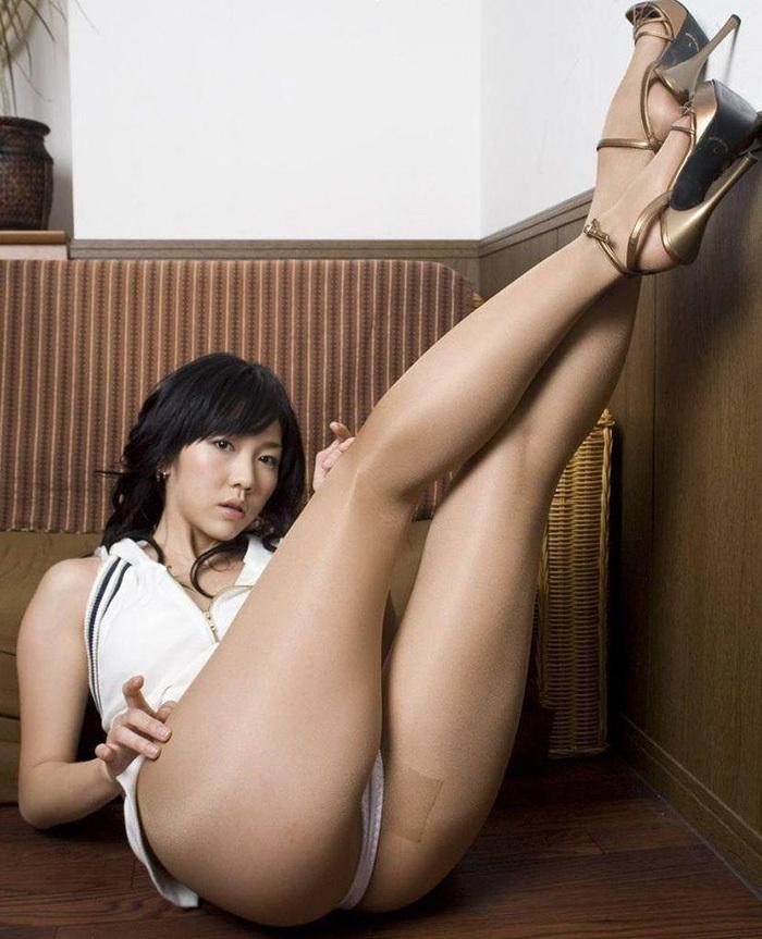 【美脚エロ画像】脚の綺麗な女の子たちのエロ画像集めたら勃起したwwww 31