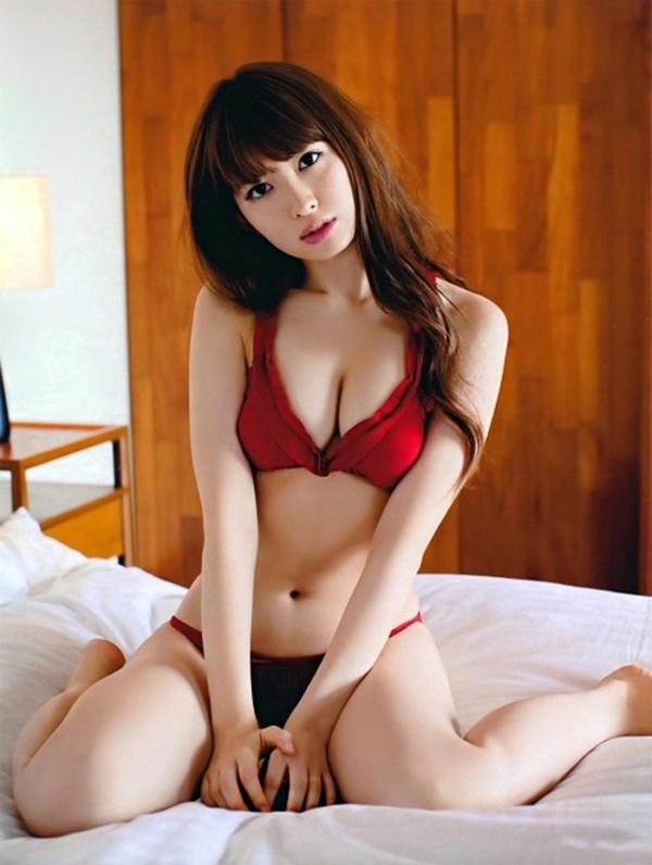 【下着姿エロ画像】裸もいいけど下着姿もいい!下着姿の女の子の画像集めたった! 26