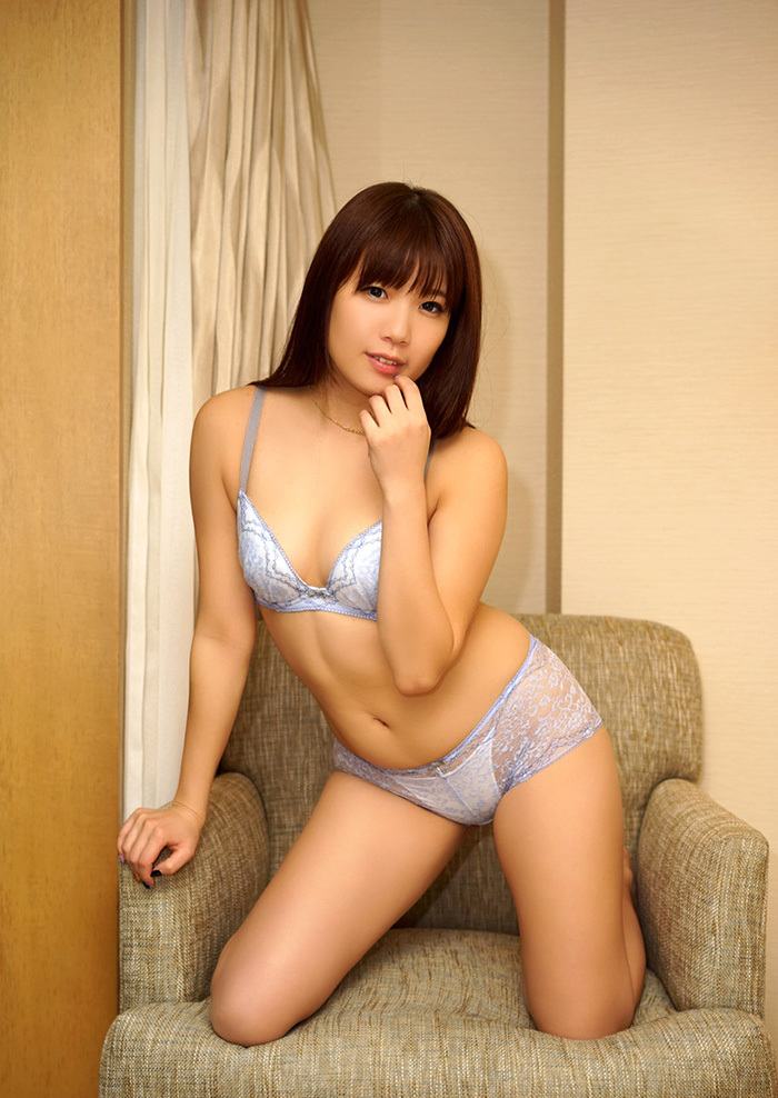【下着姿エロ画像】裸もいいけど下着姿もいい!下着姿の女の子の画像集めたった! 56