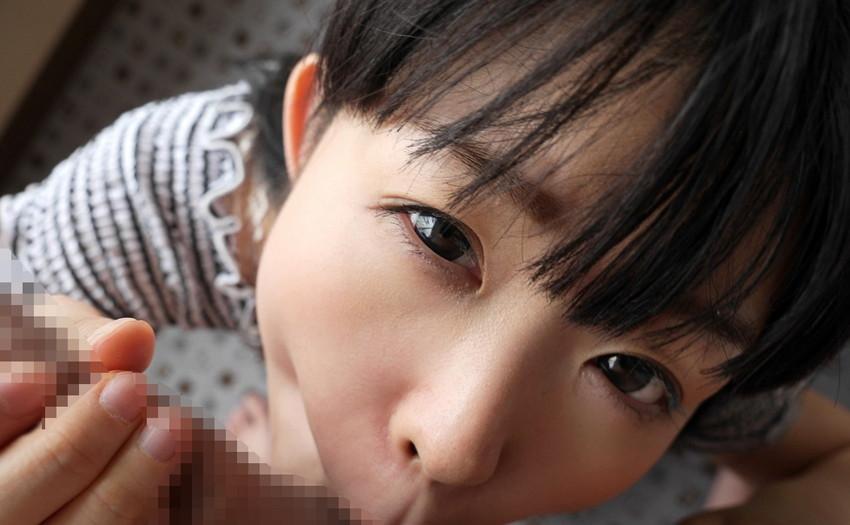 【着衣フェラチオエロ画像】着衣を脱ぐ前からフェラチオ奉仕する女の子! 48