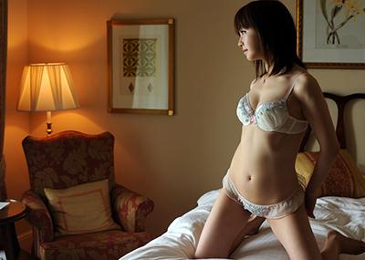 【ランジェリーエロ画像】セクシーなその姿に思わず見とれてしまうランジェリー娘www
