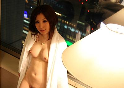 【美乳エロ画像】ため息すら出てしまいそうなほど、美しいおっぱいの女の子!