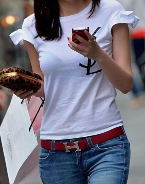 【素人着衣透けエロ画像】街中で着衣が透けていることに気づかない素人娘たち! 03
