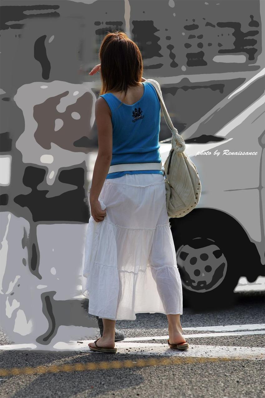 【素人着衣透けエロ画像】街中で着衣が透けていることに気づかない素人娘たち! 15