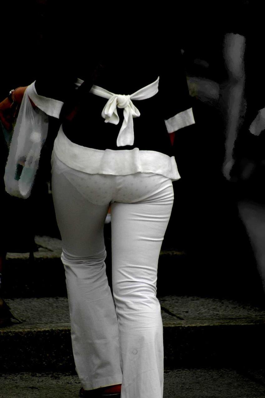 【素人着衣透けエロ画像】街中で着衣が透けていることに気づかない素人娘たち! 16