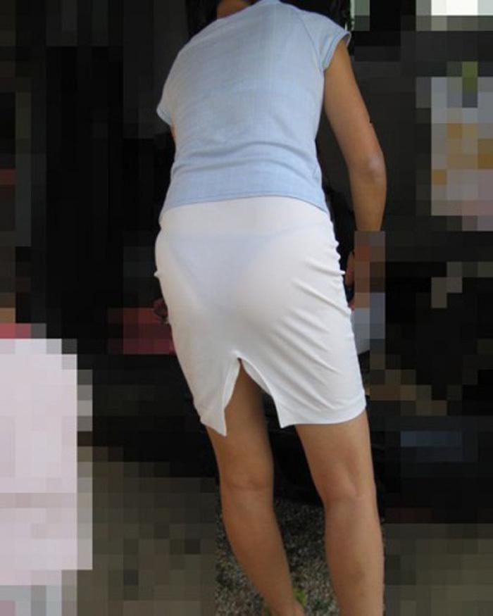 【素人着衣透けエロ画像】街中で着衣が透けていることに気づかない素人娘たち! 29