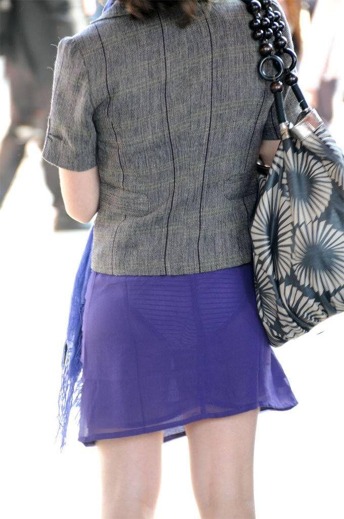 【素人着衣透けエロ画像】街中で着衣が透けていることに気づかない素人娘たち! 34