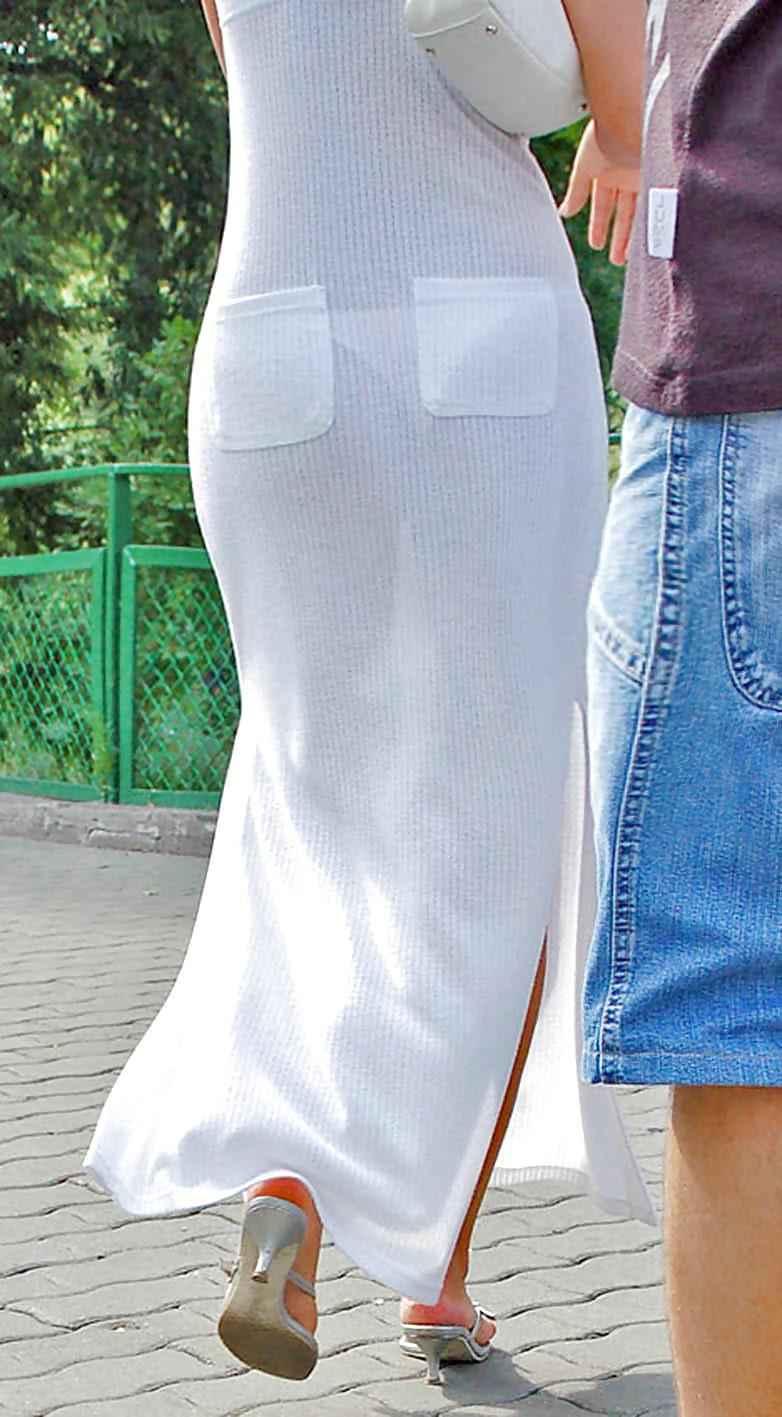 【素人着衣透けエロ画像】街中で着衣が透けていることに気づかない素人娘たち! 37