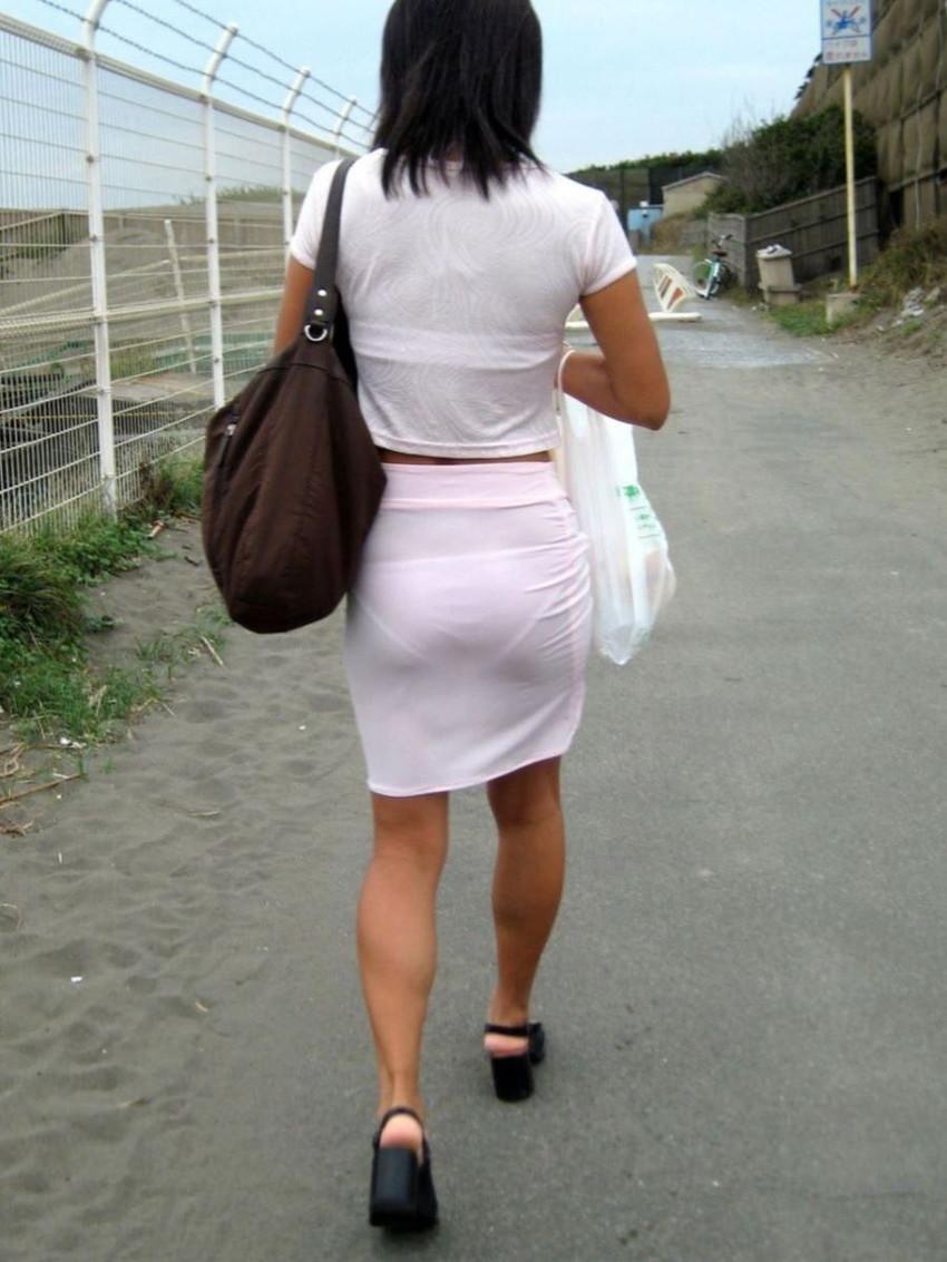 【素人着衣透けエロ画像】街中で着衣が透けていることに気づかない素人娘たち! 42
