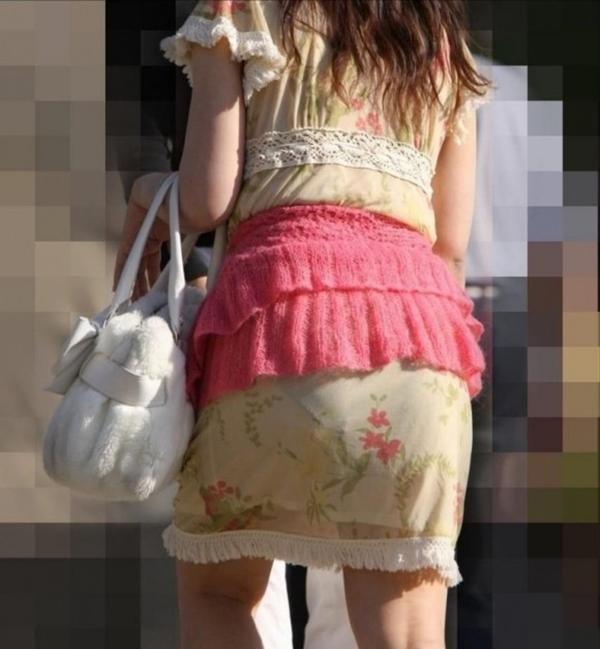 【素人着衣透けエロ画像】街中で着衣が透けていることに気づかない素人娘たち! 53