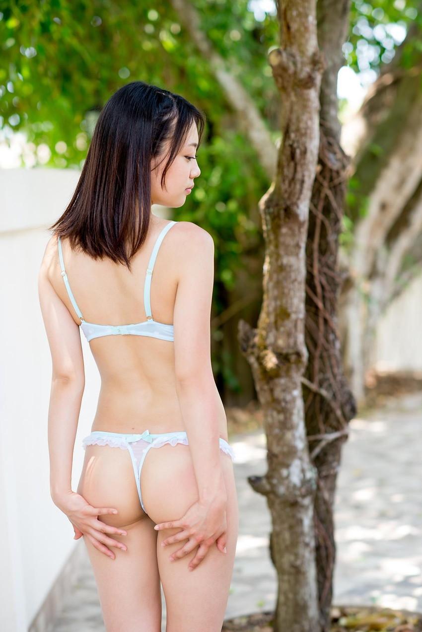 【Tバックエロ画像】Tバックを履いた女の子たちの美尻が眩しすぎて勃起不可避www 29