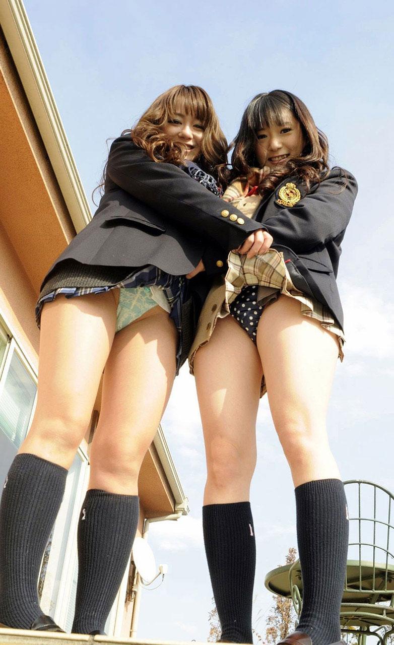 【JKセルフパンチラエロ画像】JKコスの女の子達によるセルフパンチラ画像がエロッ! 12