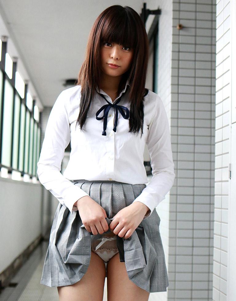 【JKセルフパンチラエロ画像】JKコスの女の子達によるセルフパンチラ画像がエロッ! 36