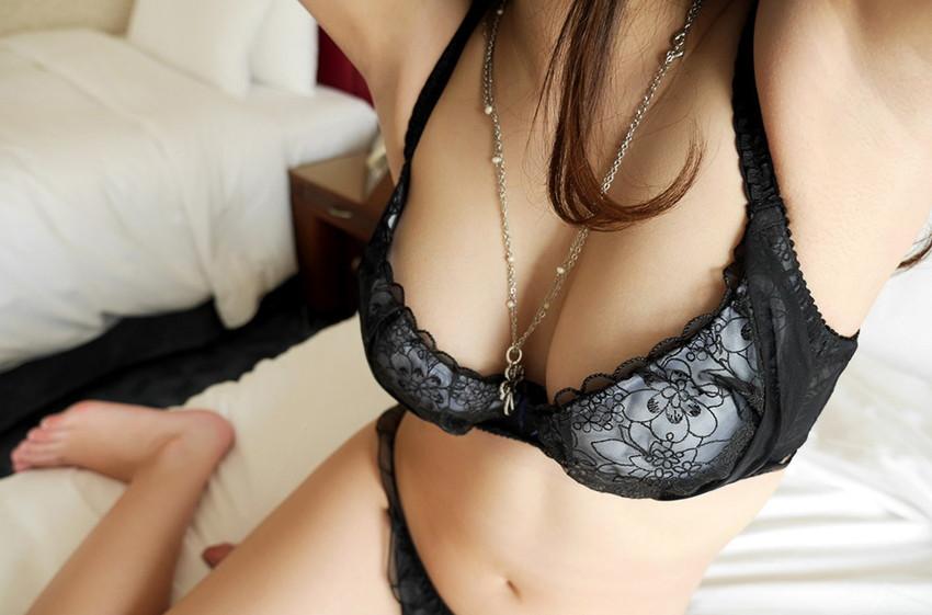 【下着姿エロ画像】全裸ももちろんいいけど、たまにはこんな下着姿もいいんじゃないか? 24
