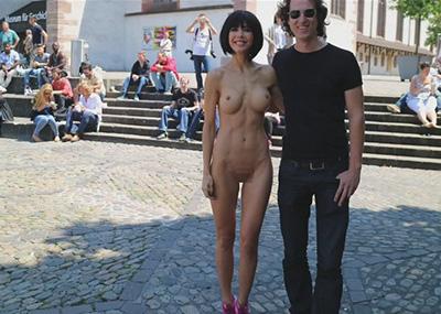 【露出狂】生乳とマ○コをこどもにも触らせて逮捕されたヘンタイ女wwwwwwwww