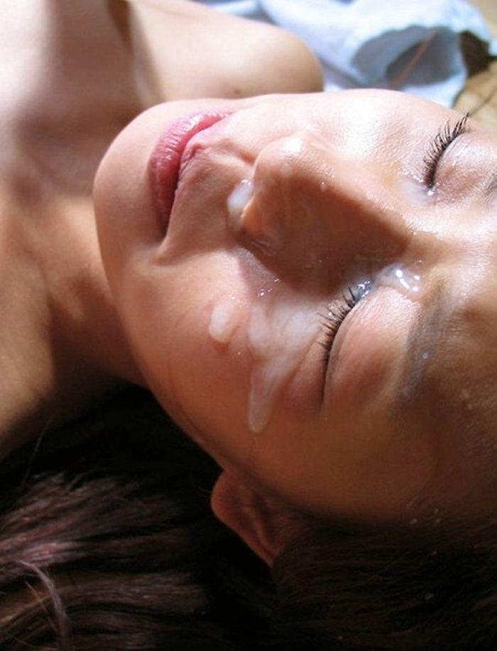 【顔射エロ画像】顔面ザーメンまみれ!顔射の餌食にされた女の子画像! 06