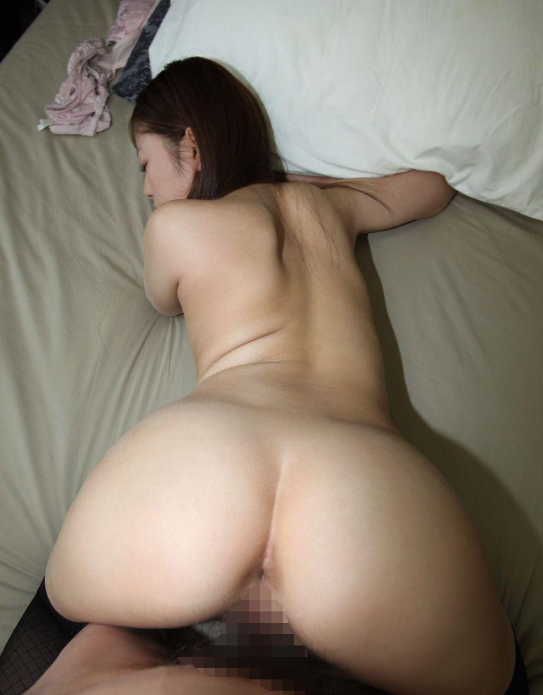 【バックエロ画像】後ろから!女の子の尻を眺めながら挿入可能な尻フェチ向け体位?w 10