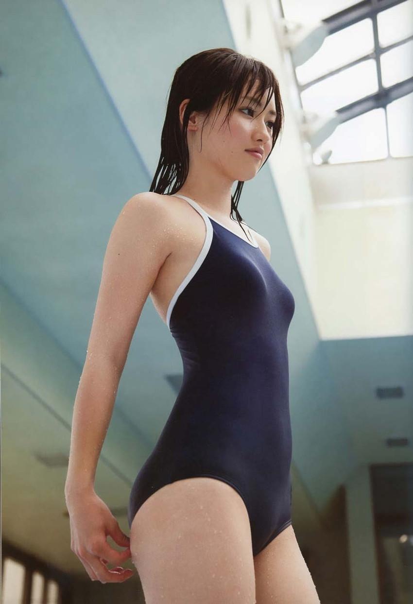 【スク水エロ画像】学校指定のスクール水着…これってなんかエロいんじゃね?www