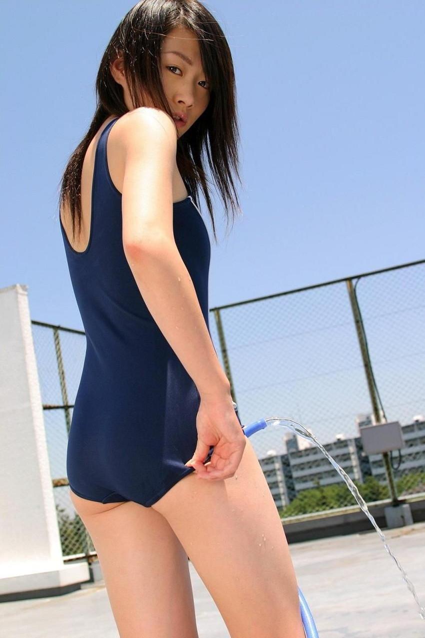 【スク水エロ画像】学校指定のスクール水着…これってなんかエロいんじゃね?www 16