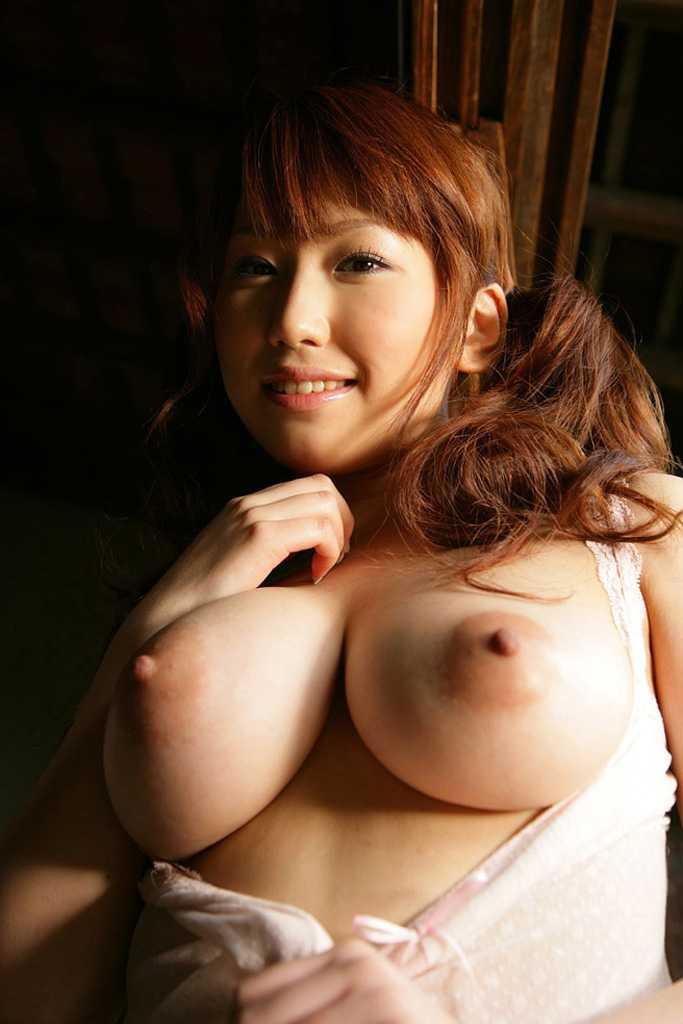 【美乳エロ画像】おっぱいは綺麗に限る!?美乳と呼べるおっぱい集めてみたww 45
