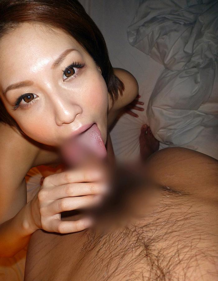 【全裸フェラチオエロ画像】全裸でチンポを求める一子まとわぬ姿でフェラする女! 25