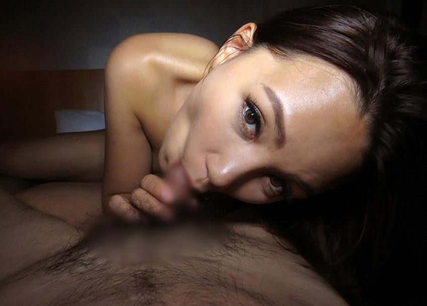 【全裸フェラチオエロ画像】全裸でチンポを求める一子まとわぬ姿でフェラする女! 44