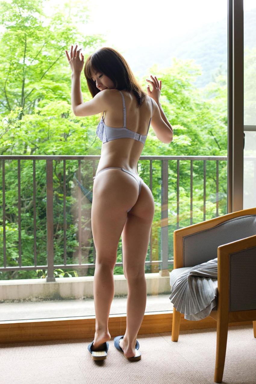 【Tバックエロ画像】セクシーすぎるお尻!Tバックを履いた美尻の女の子が抜ける! 51
