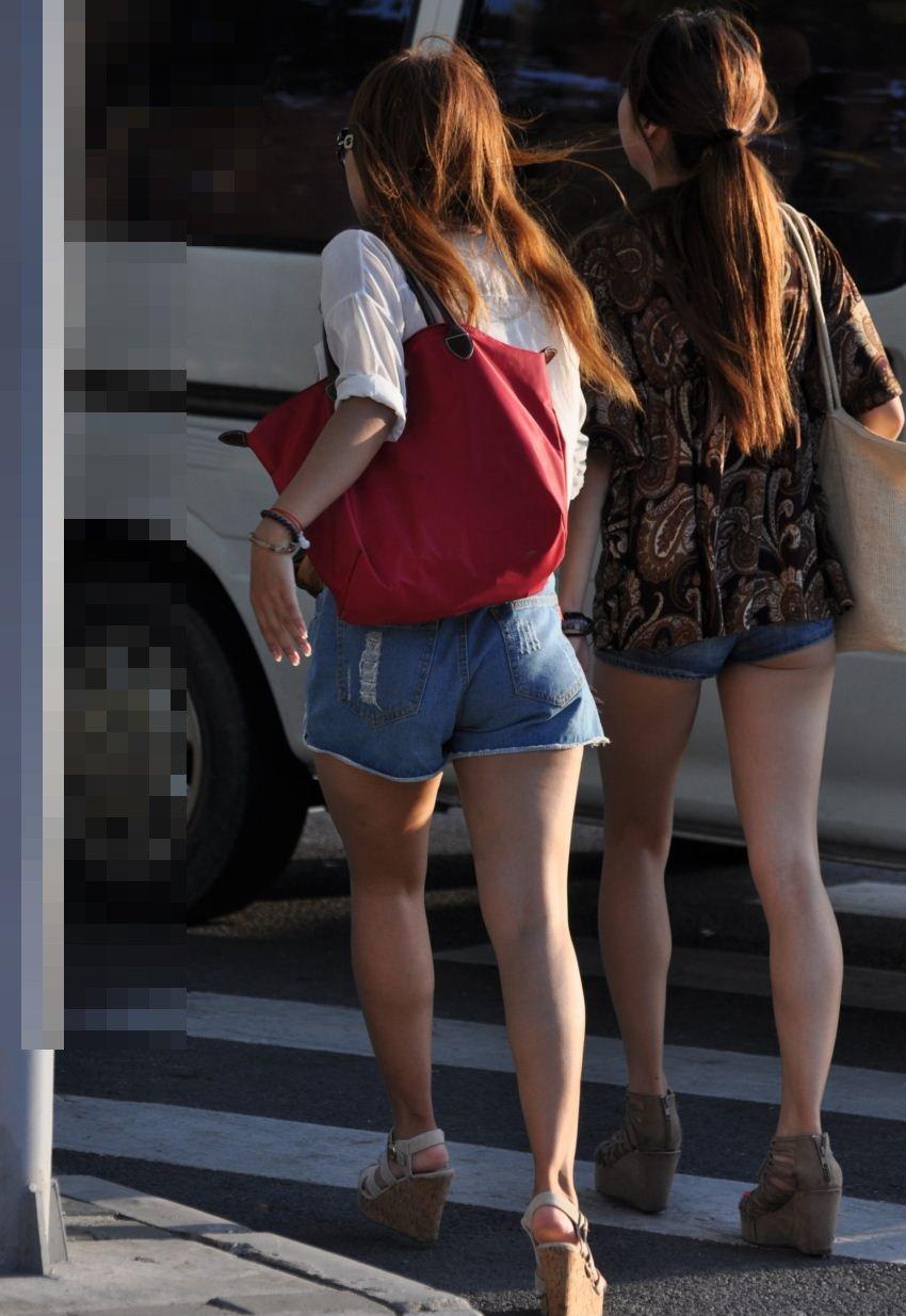 【素人ホットパンツエロ画像】暖かくなると見かける太ももムキだしファッション! 08