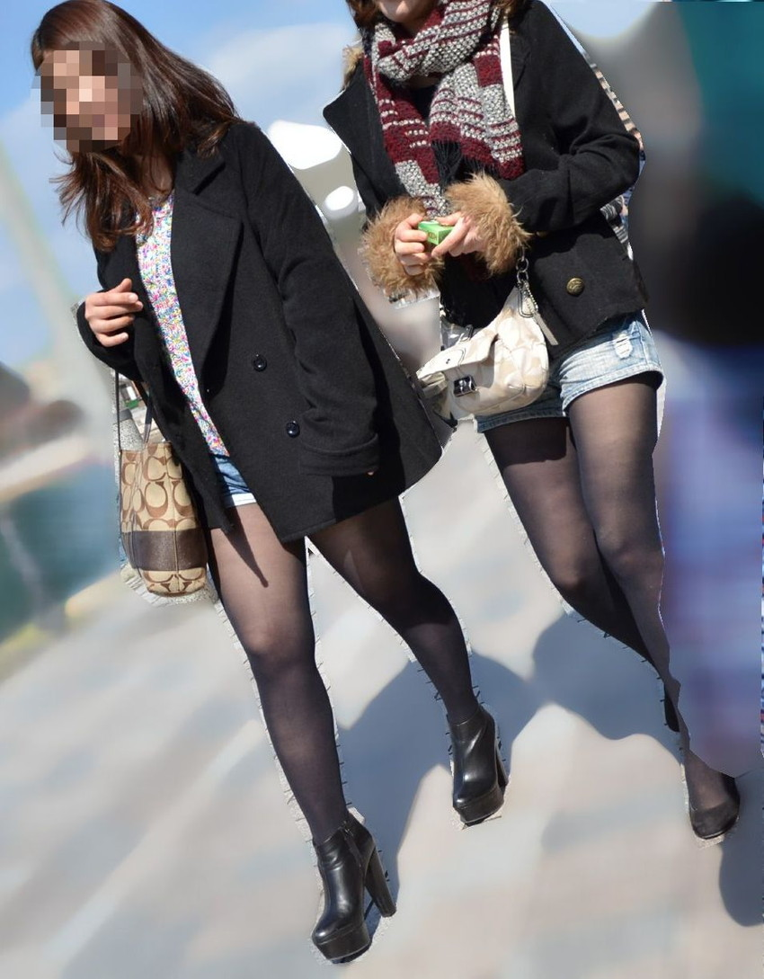 【素人ホットパンツエロ画像】暖かくなると見かける太ももムキだしファッション! 13