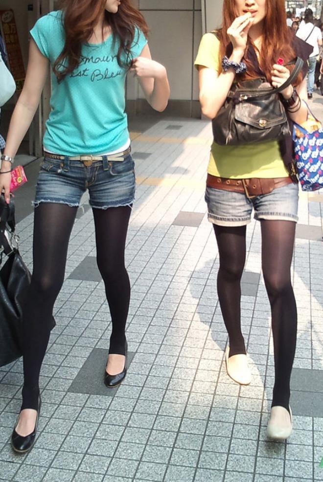 【素人ホットパンツエロ画像】暖かくなると見かける太ももムキだしファッション! 14