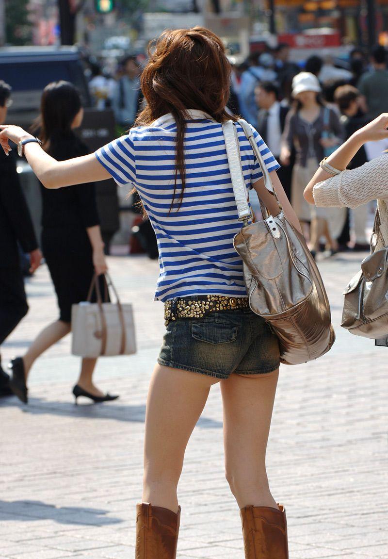 【素人ホットパンツエロ画像】暖かくなると見かける太ももムキだしファッション! 19
