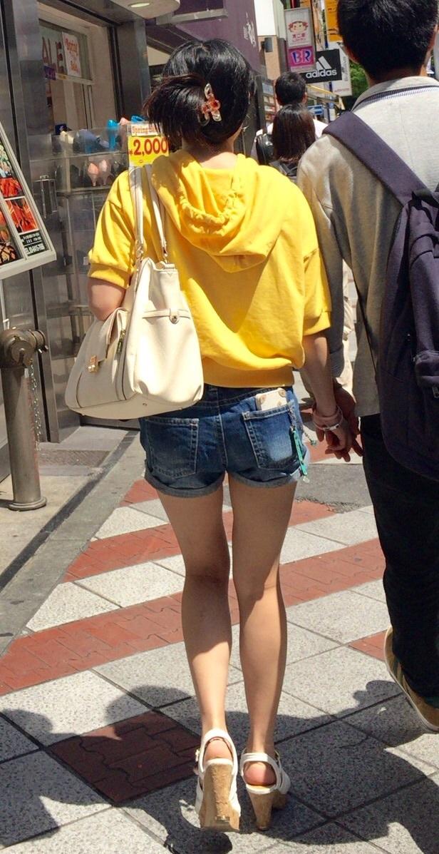 【素人ホットパンツエロ画像】暖かくなると見かける太ももムキだしファッション! 28