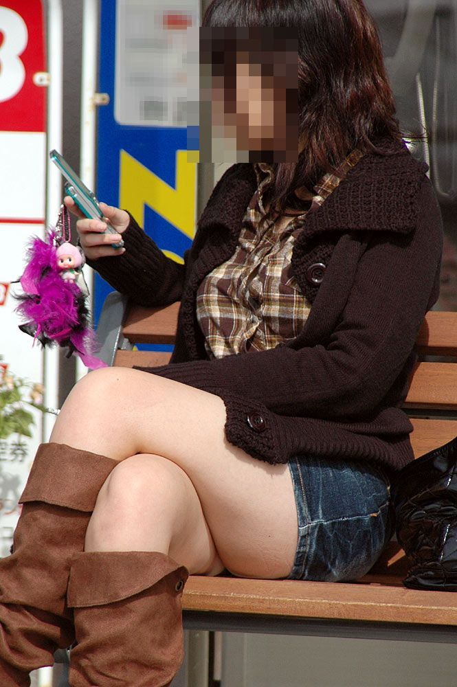 【素人ホットパンツエロ画像】暖かくなると見かける太ももムキだしファッション! 29
