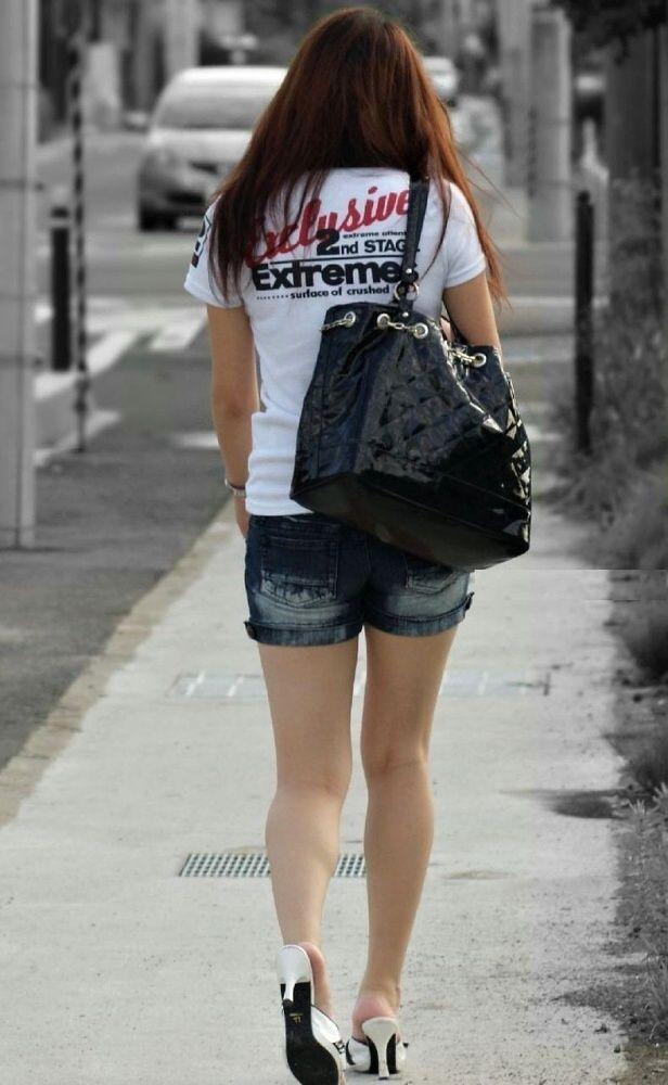【素人ホットパンツエロ画像】暖かくなると見かける太ももムキだしファッション! 31