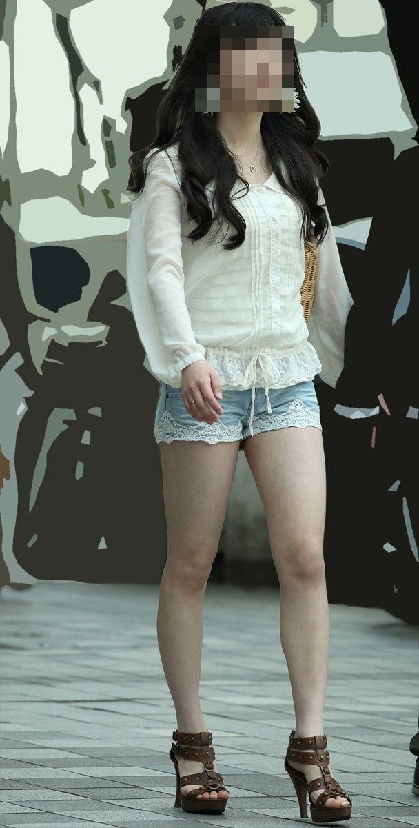 【素人ホットパンツエロ画像】暖かくなると見かける太ももムキだしファッション! 37
