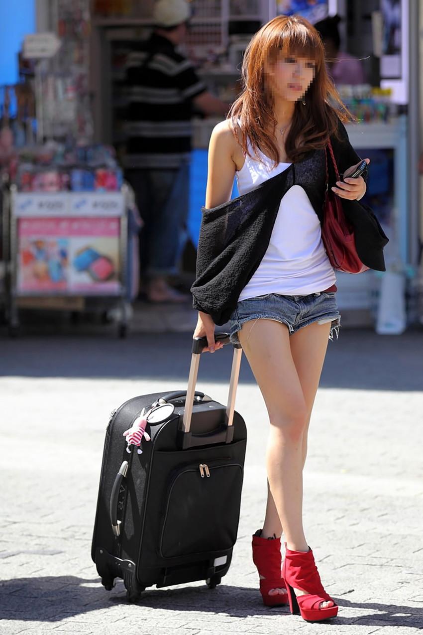 【素人ホットパンツエロ画像】暖かくなると見かける太ももムキだしファッション! 47