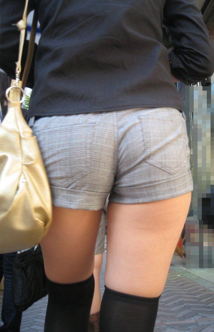 【素人ホットパンツエロ画像】暖かくなると見かける太ももムキだしファッション! 48