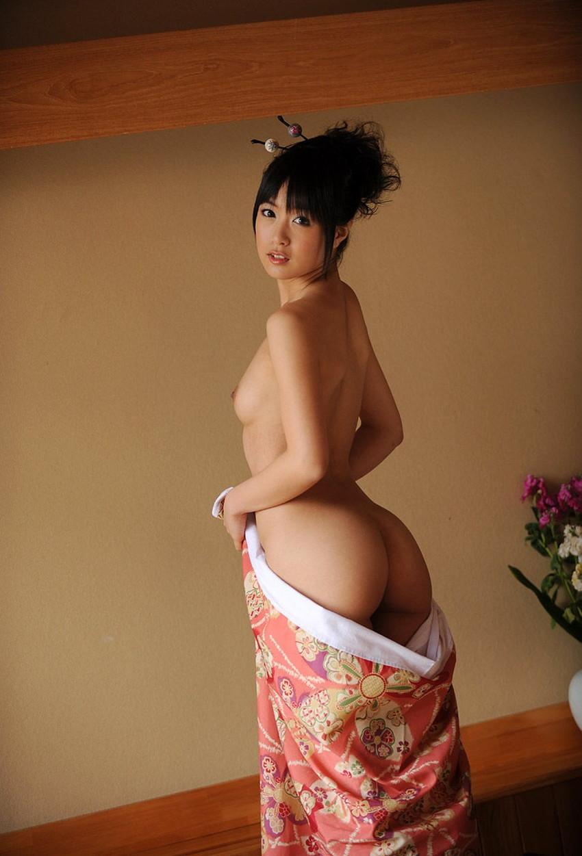 【和服エロ画像】乱れた着物も良いけど和服姿の女の子ってそれだけでソソるよな!? 09