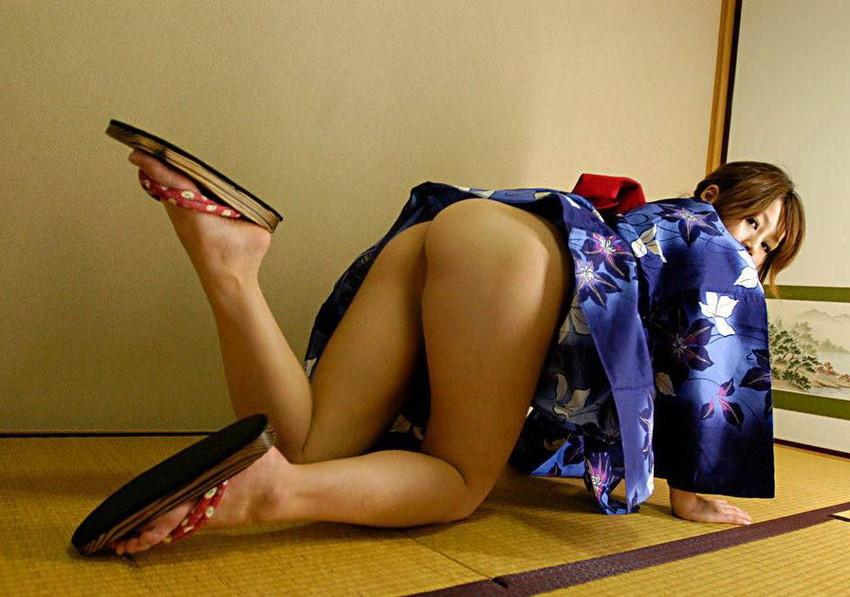 【和服エロ画像】乱れた着物も良いけど和服姿の女の子ってそれだけでソソるよな!? 10