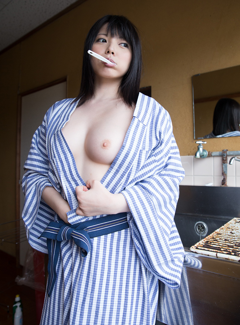 【和服エロ画像】乱れた着物も良いけど和服姿の女の子ってそれだけでソソるよな!? 27