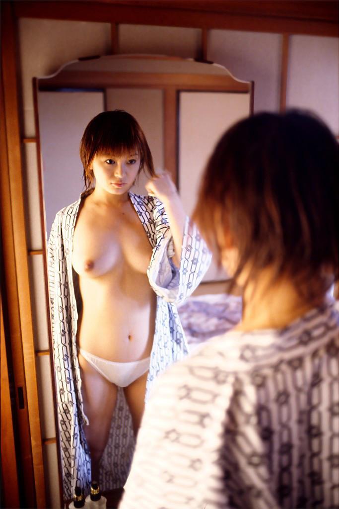 【和服エロ画像】乱れた着物も良いけど和服姿の女の子ってそれだけでソソるよな!? 49