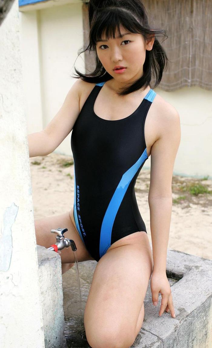 【競泳水着エロ画像】競泳水着っていうけど、これってビキニよりエロい水着なのでは?w 37