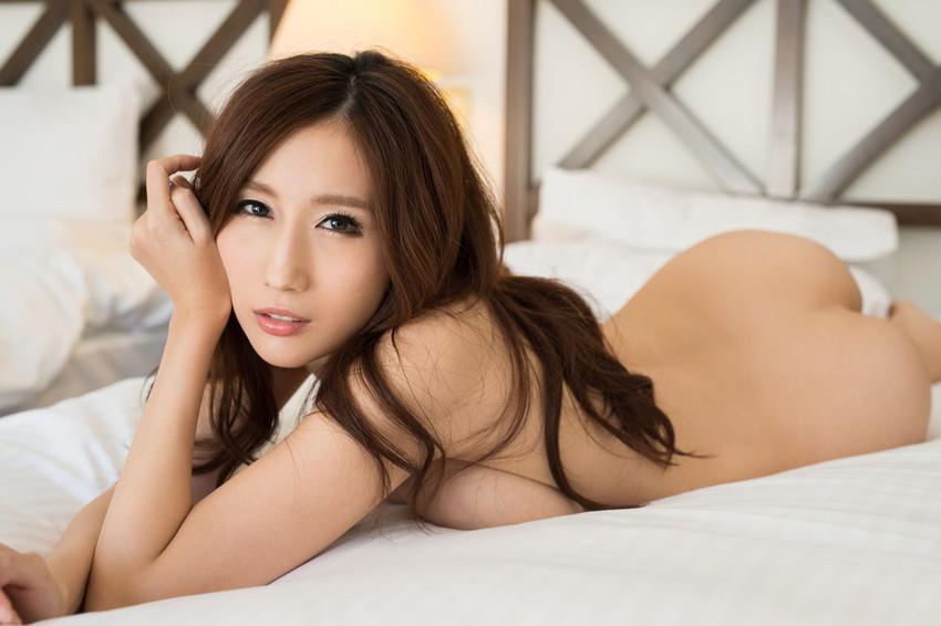 【JULIAエロ画像】神乳、美巨乳で有名な若妻系AV女優のJULIAの画像集めてたら勃起したw 16