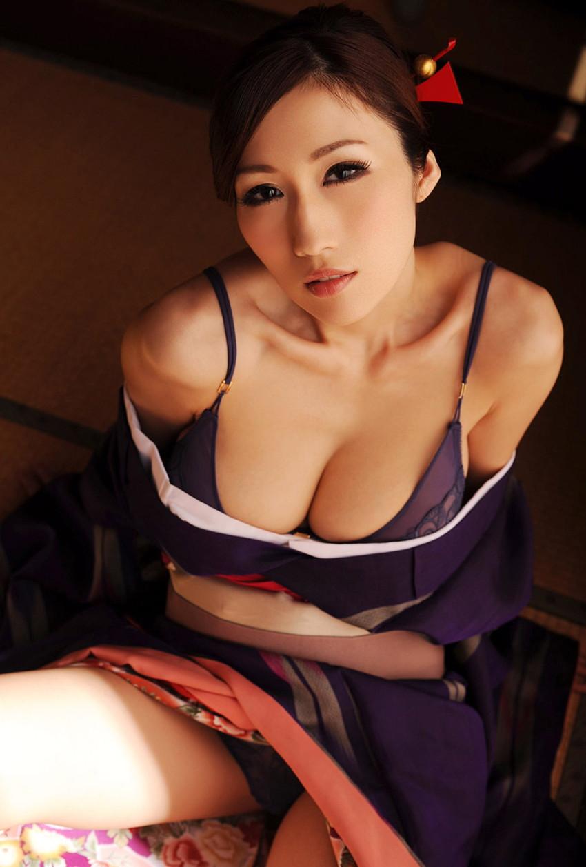 【JULIAエロ画像】神乳、美巨乳で有名な若妻系AV女優のJULIAの画像集めてたら勃起したw 18