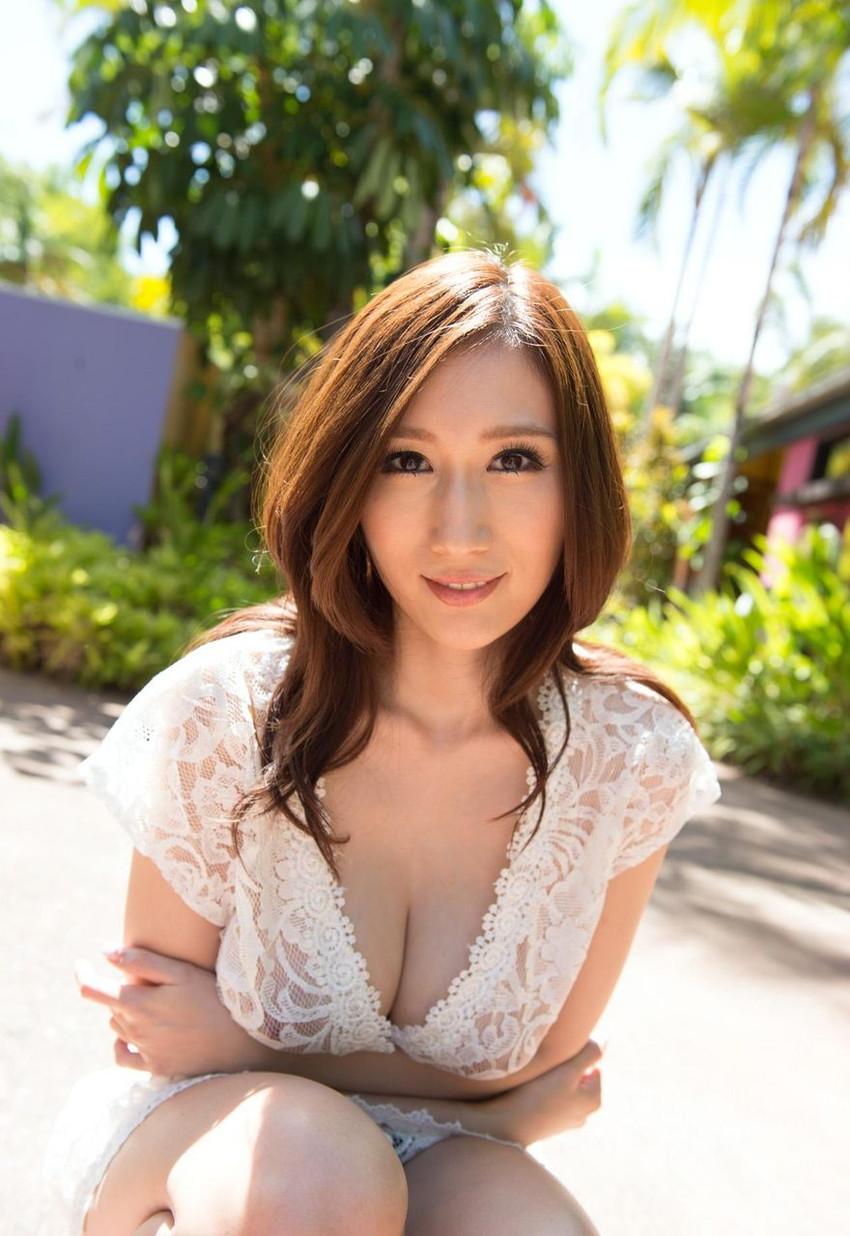 【JULIAエロ画像】神乳、美巨乳で有名な若妻系AV女優のJULIAの画像集めてたら勃起したw 36
