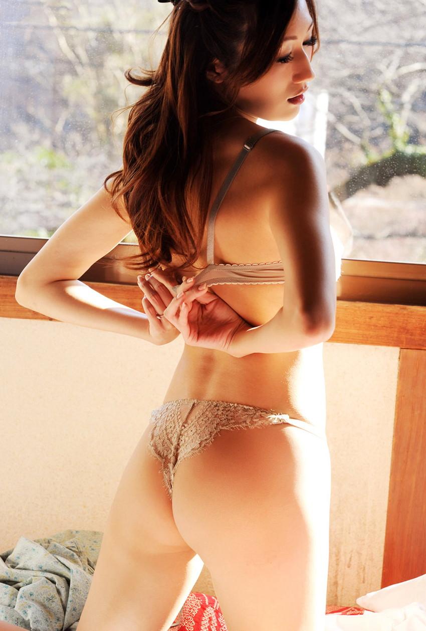 【JULIAエロ画像】神乳、美巨乳で有名な若妻系AV女優のJULIAの画像集めてたら勃起したw 38