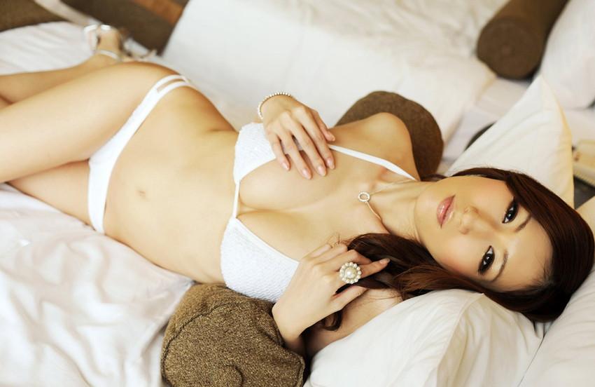 【JULIAエロ画像】神乳、美巨乳で有名な若妻系AV女優のJULIAの画像集めてたら勃起したw 41