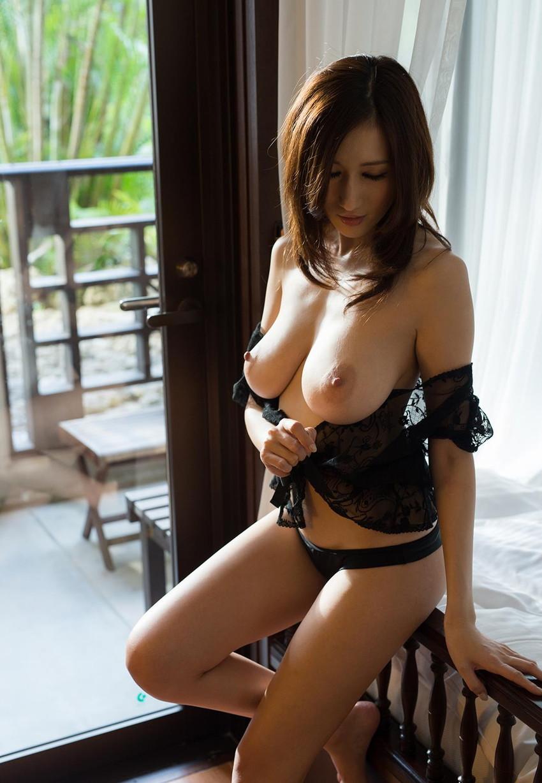 【JULIAエロ画像】神乳、美巨乳で有名な若妻系AV女優のJULIAの画像集めてたら勃起したw 46