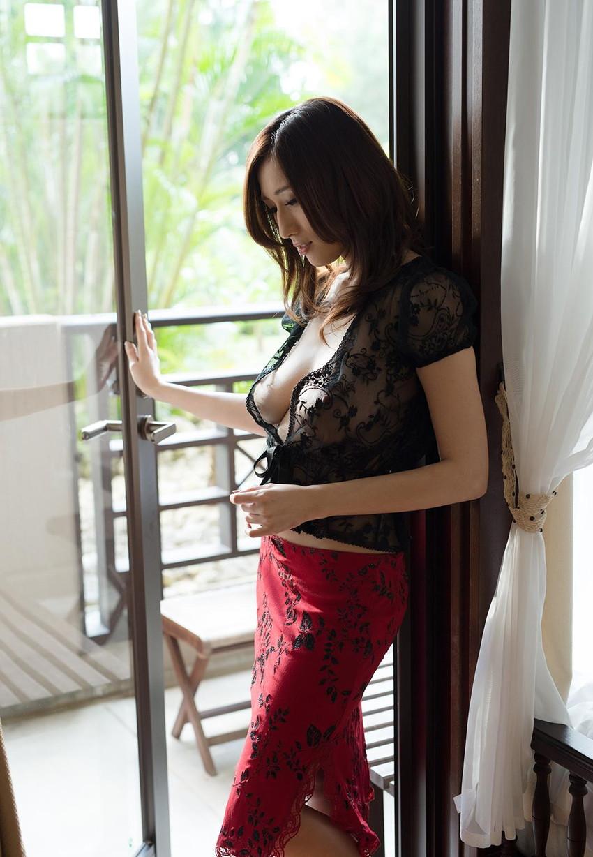 【JULIAエロ画像】神乳、美巨乳で有名な若妻系AV女優のJULIAの画像集めてたら勃起したw 49