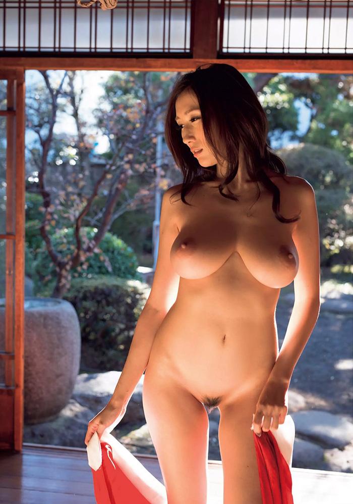 【JULIAエロ画像】神乳、美巨乳で有名な若妻系AV女優のJULIAの画像集めてたら勃起したw 54